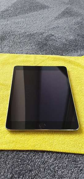 Ipad 3 wifi & Cellular 128gb retina display, Space Grey