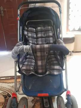 Mama love branded stroller for sale