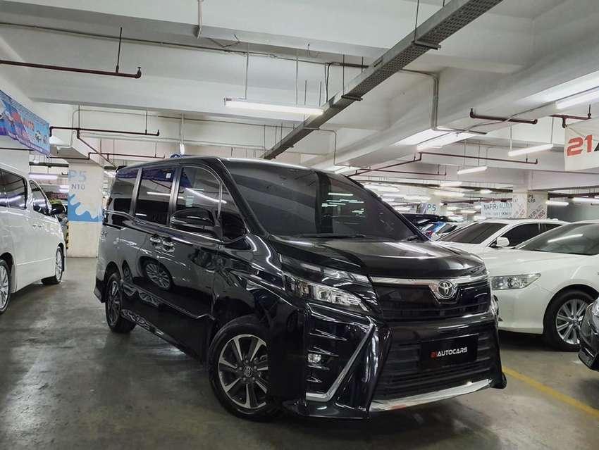Toyota Voxy 2.0 AT 2017 KM 40RB 0