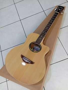 Gitar akustik custom putus