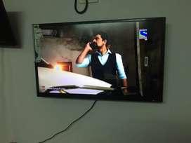 Brand new 2k smart TV