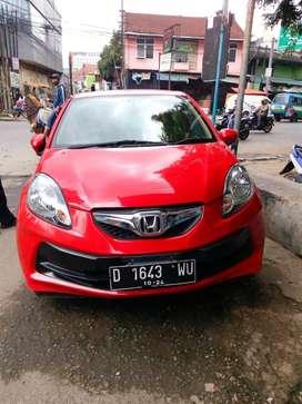 Jual mobil Brio 2014 warna merah