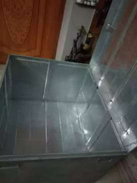 Bed peti available in good condition