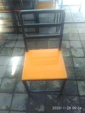 Rombong lalapan+ meja 7 set + kursi 27 set + kompor nya