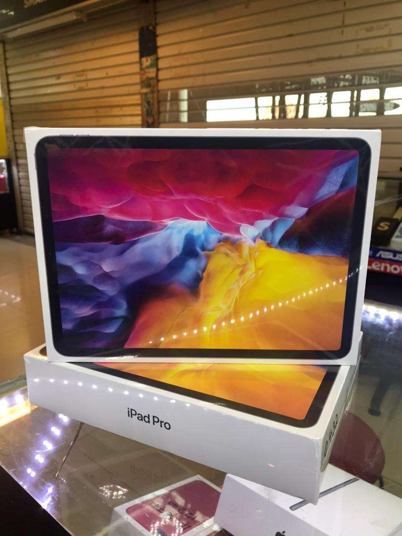 "Ipad pro 11"" 128Gb wifi Only harga mantul"