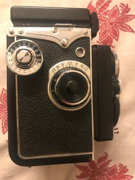 Mint condition Film Camera Vintage Medium Format Yashica 635
