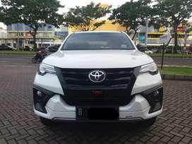 Toyota fortuner 2.4 VRZ TRD-S AT putih 2018 KM 9rb