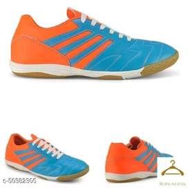 Sepatu olahraga futsal