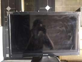 Tv merk Sharp 23 inch. Harga nego !!!