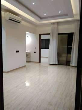 Apartment 2BHK$ 835sqft/ 10 min from EON It park