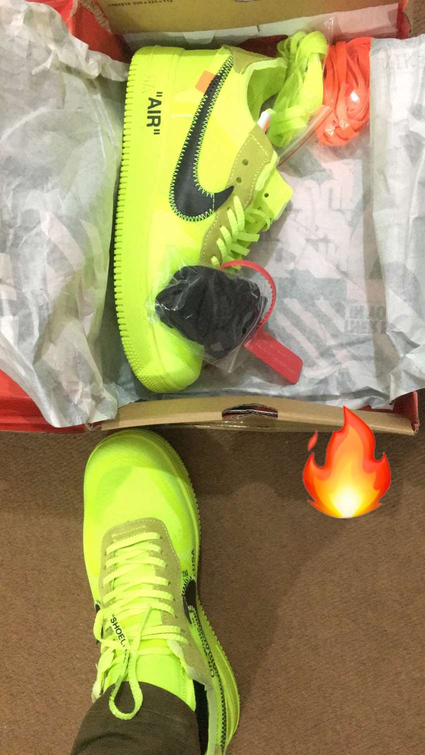 NIKE OFFWHITE NEON SHOE FOR SALE 0