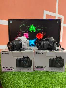 Canon 200D with 18-55mm