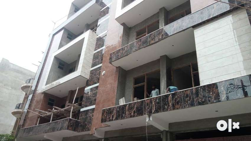 3BHK FLAT FRONT SIDE FLAT WITH L -TYPE BALCONY 0
