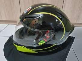 Dijual Helm AGV K1