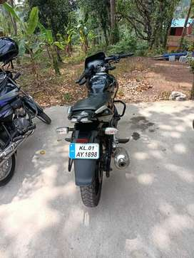 Pulsar 220 good condition new engine oil and new painting