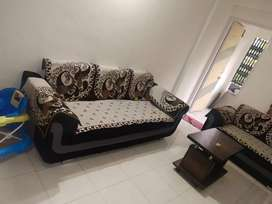 2bhk furnished flat available for rent