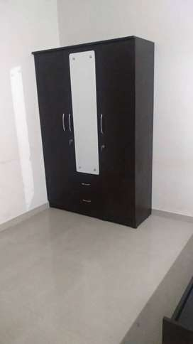 Brand new 3 door wooden wardrobe at very cheap price in pune