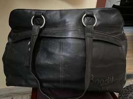 Classy  spacious Casual/ corporate bag