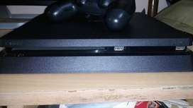 PlayStation 4 - 500GB Slim + 6 Games