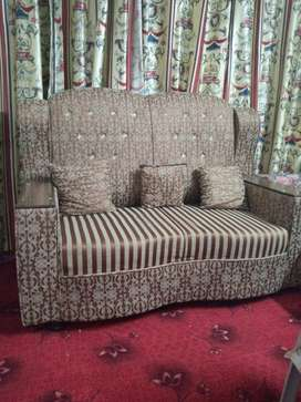 7 seater sofas and center table