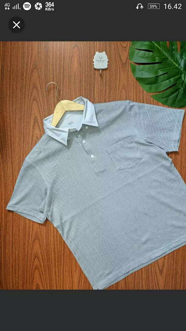 Polo shirt merek UNIQLO size L ORI 0