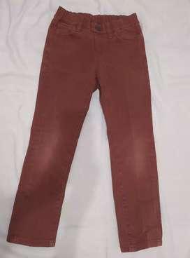 Celana Panjang Branded untuk Anak usia 4-5 tahun, Merek : UNIQLO