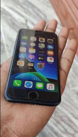 iphone 7 comes with retina HD display for festival offer.