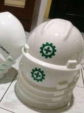 tempat cuting stiker helm proyek K3 hijau nyala papan nama neon box
