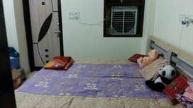 Sharma girls p.g mansarover thadi market 115/238