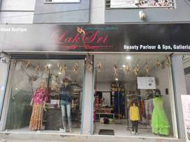 boutique with show rom and beauty parlour  for sale