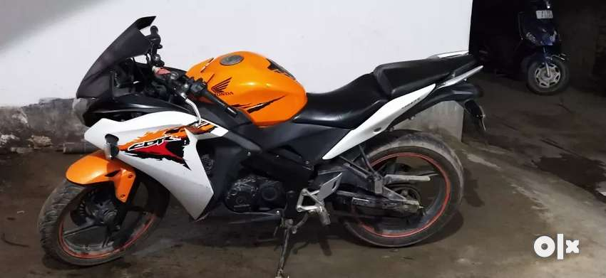 Cbr 150 good condition orange colour 0