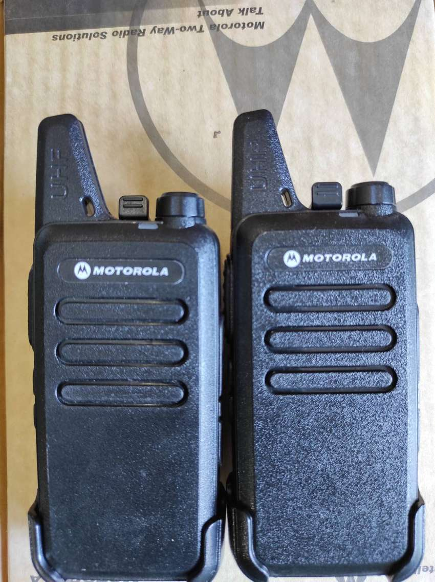 MOTOROLA  WLV WALKIE TALKIE  TWO WAY RADIO
