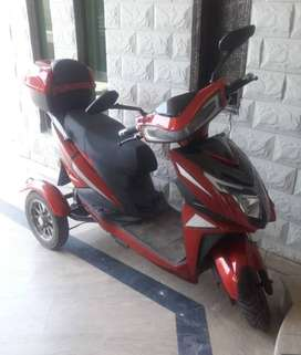3 Wheeel Scooty For Sale, Condition 09/10, 650MPH Battery