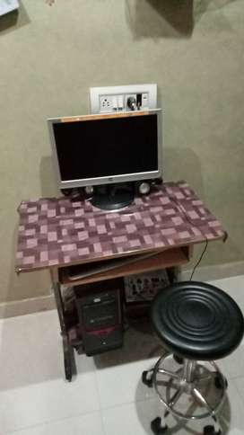 COMPUTER FULL SETUP.    WITH TEBAL AND HAYDROLIC  KURSI