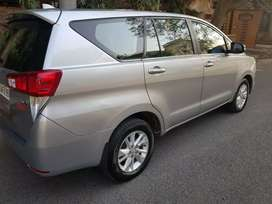3years old toyota/innova crysta in super conditions with insurance