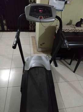 Di jual treadmill