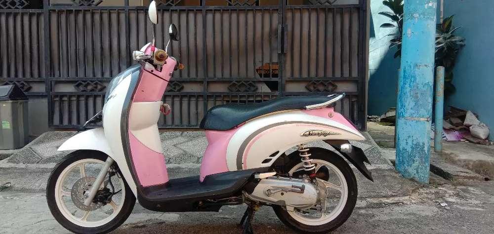 Honda Scoopy Cw 2011 Pajak Hidup plat B Jaktim Lokasi Jatiasih