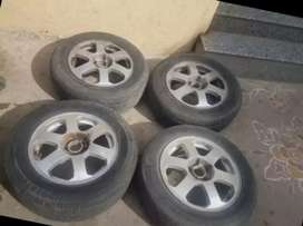 Skoda Octavia alloy wheels with tyres