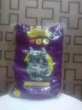 Bolt makanan kucing repack