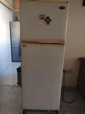 Daewoo fresh multi flow freezer and refrigerator