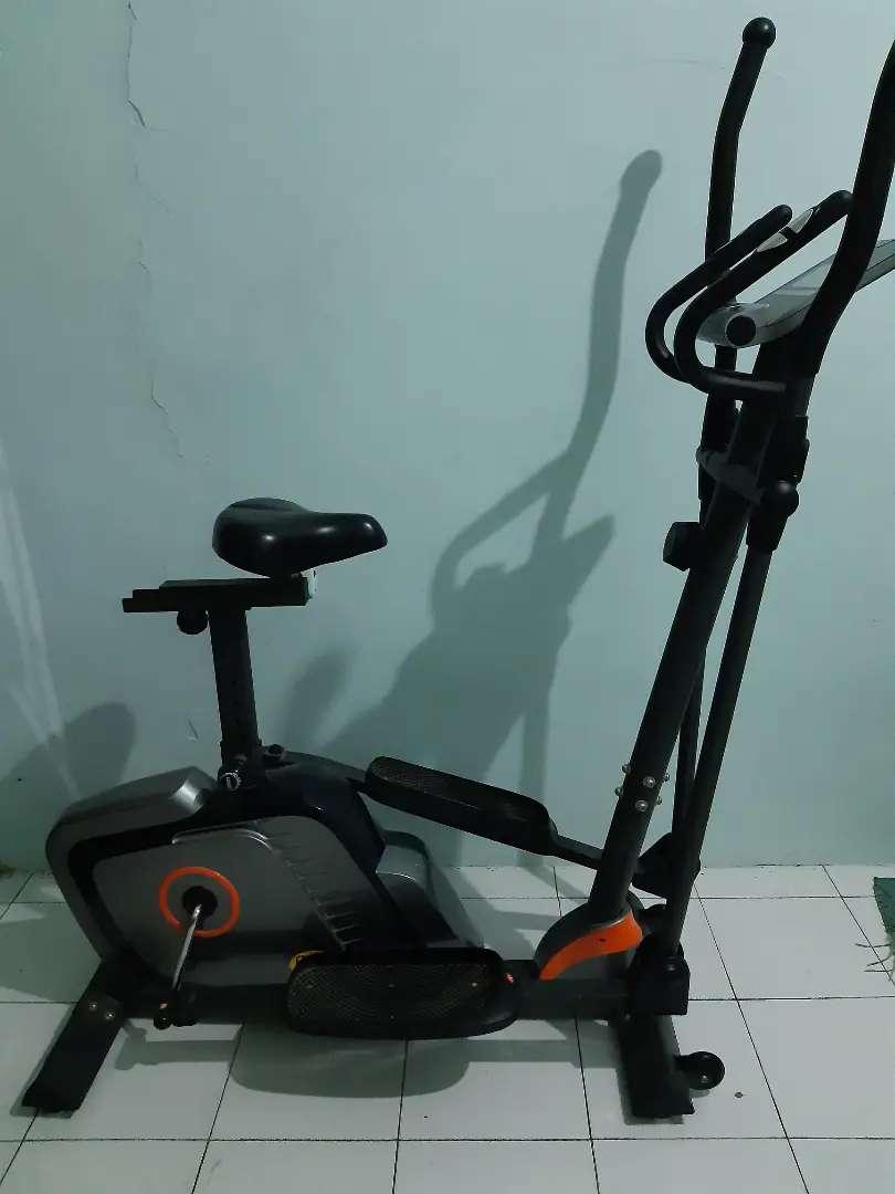 Sepeda statis / Bfit elliptical bike 375EA 0