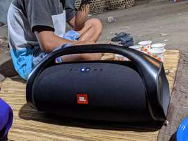 JBL BOOMBOX BASS BOOSTED FREE HARDCASE