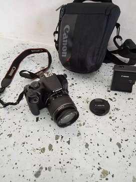 Camera DSLR Canon 1300 D