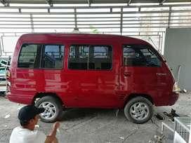Di jual mobil  minibus tahun 2005