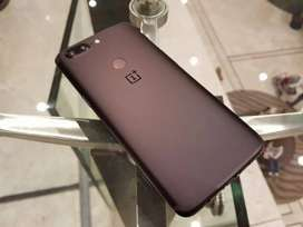 One plus 5T (new condition)
