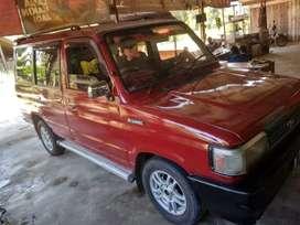 Kijang Rover antik