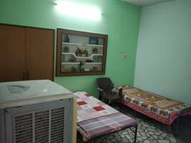 PG/FURNISHED ROOMS ARE AVAILABLE