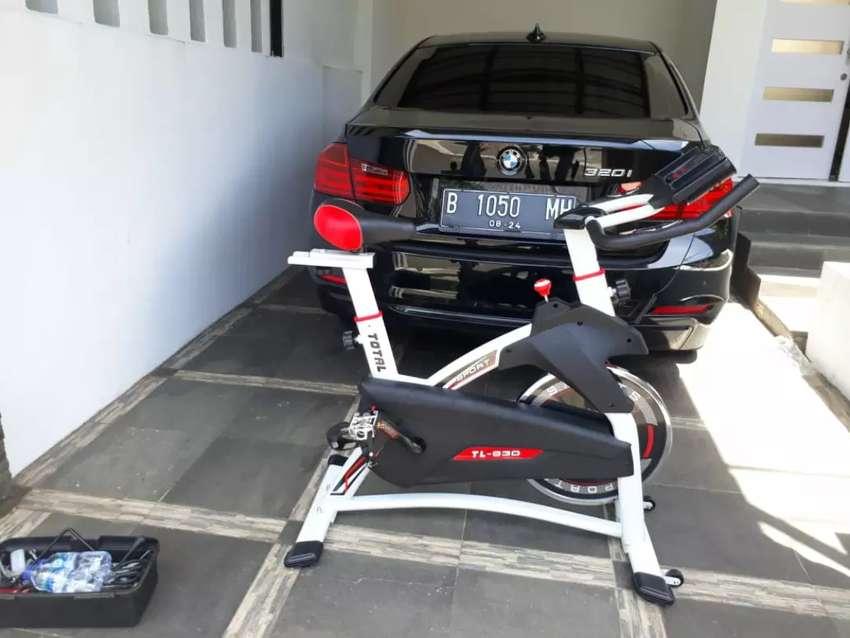 Spinning bike Tl 930 sepeda statis