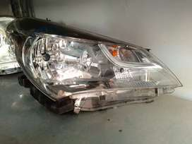 Toyota Vitz 2014 Japanese headlight pair genuine