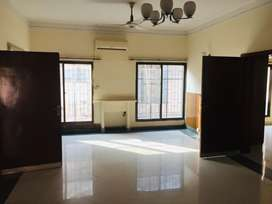Facing park 10 marla upper poction for rent in gulberg 3 block A3